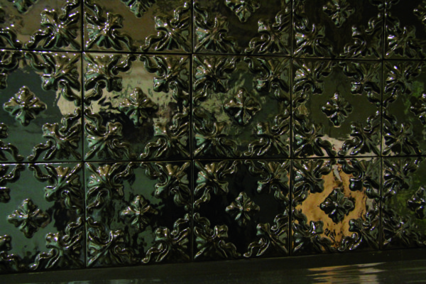 The BRAGA is a tile with traditional portuguese patterns, recreated in a tridimensional design.